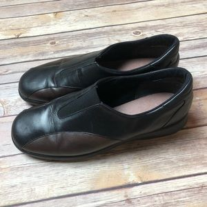 Munro Leather Brown Black Slip Ons Clogs Shoes